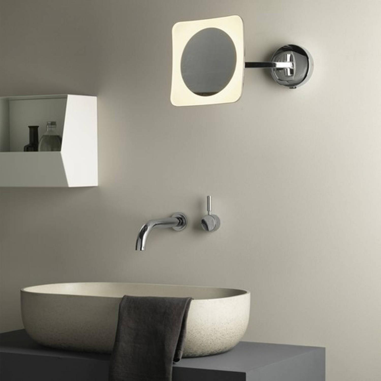 Sistemi Di Illuminazione A Led elegante specchio con sistema di illuminazione a led integrato e braccio  mobile, luce a led 5.8w ( 2700°k - 76 lm )