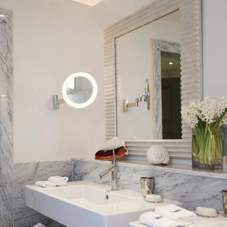 Sistemi Di Illuminazione A Led elegante specchio con sistema di illuminazione a led integrato e braccio  mobile, luce a led 5.7w ( 3000°k - 134 lm )
